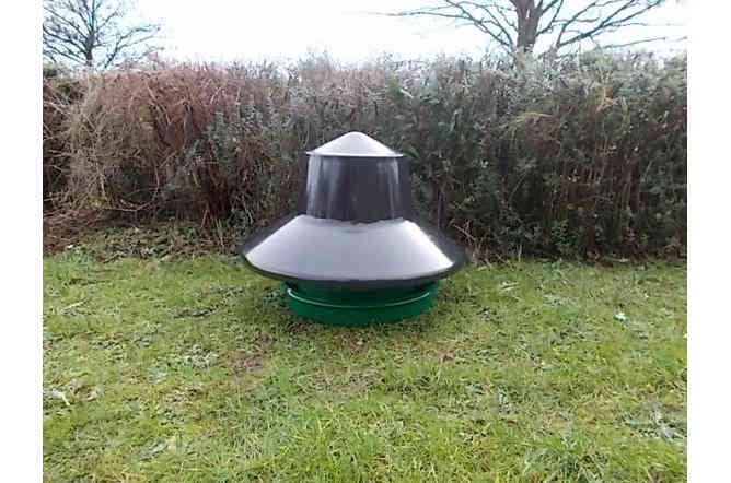 King Feeder with Rain Cover